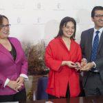 Con la firma de las escrituras de la cesión, la Diputación pasa a ser propietaria única del Pabellón Ferial y el Ayuntamiento del Museo del Quijote