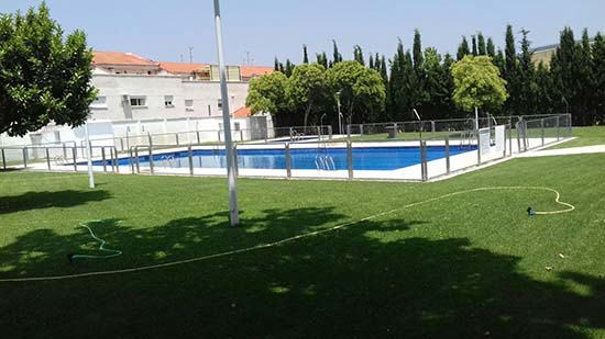 La piscina municipal de porzuna abrir sus puertas este for Piscina municipal ciudad real