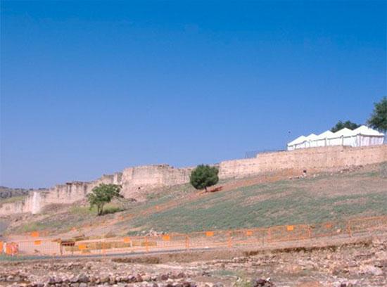 Muralla de Alarcos vista desde el sur