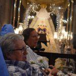 La Caravana Blanca cumple la tradición de visitar a la Virgen del Prado