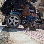 Ciudad Accesible pide que se mejoren los nuevos rebajes de las calles Esperanza y del Carmen