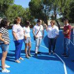 Herencia: El Gobierno regional acondiciona cinco caminos rurales de Herencia tras reparar la pista polideportiva del colegio Carrasco Alcalde