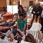 Pilar Zamora anima a los vecinos a donar sangre en el Maratón de la Hermandad de Donantes de Ciudad Real