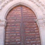 La Puerta del Perdón, Románica, mandada traer desde la ermita de Alarcos por el Rey de Castilla y León Alfonso X
