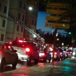 Ciudad Real: Los bomberos retiran cristales de una ventana rota en los antiguos edificios de Defensa de la ronda de Toledo