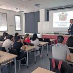 El doctor José Molina presenta el Colegio de Médicos a los alumnos de la Facultad de Medicina de Ciudad Real