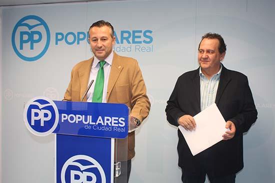 Adrián Fernández y Carlos Martín de la Leona en rueda de prensa en la sede provincial de Ciudad Real
