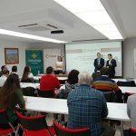 Globalcaja y la Cámara ofrecen a una veintena de empresas formación en aspectos técnicos sobre transporte internacional