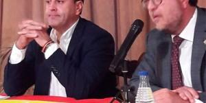Casimiro Molina Flox, a la izquierda, presidente provincial de Vox