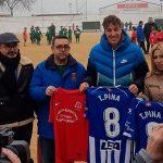 Las Escuelas Deportivas de fútbol de Villarta de San Juan llevarán el nombre de Tomás Pina, jugador del Deportivo Alavés