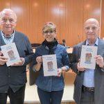 Vicente Martín presentó en Manzanares su primer libro: 'Casa Trona'