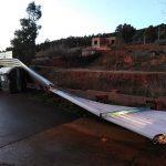 Puertollano: El viento tumba el vallado de una parcela en la calle Galicia