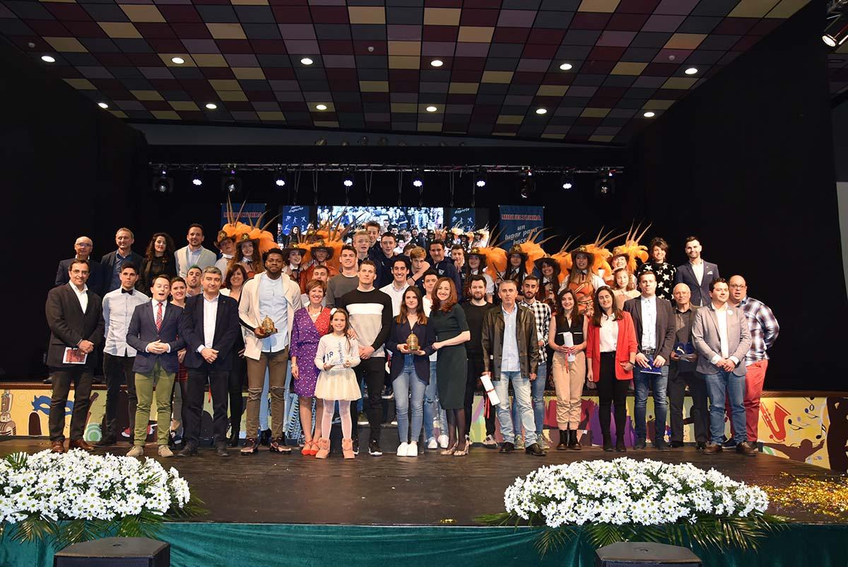 ab0a802ec La Gran Gala Deportiva de Miguelturra, que anualmente concede diferentes  premios a deportistas que han destacado durante el pasado año y que este  año ha ...