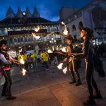 Ni el viento ni la lluvia salvan a Doña Sardina de arder en la Plaza Mayor