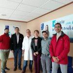 """Bolaños visita el Mercadillo de Socuéllamos y la fábrica de semiconservas """"Kiele"""""""