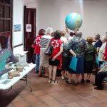 Cruz Roja Almodóvar facilita la visita de sus mayores a las Jornadas de 'Geología, Paleontología y Vulcanismo'