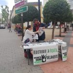 """Recortes Cero recoge firmas para """"blindar las pensiones"""" y hace campaña de cara a las europeas"""