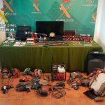 La Guardia Civil detiene a catorce personas e investiga a otras dos por 60 robos en Iglesias y Ayuntamientos