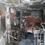 Cuatro desalojados tras el incendio en un segundo piso de un bloque de viviendas de La Solana