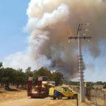Se retiran los medios aéreos del incendio en Puertollano, donde aún trabajan 29 medios y 151 personas