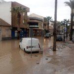 «Esto es un desastre»: Momentos muy duros para los puertollaneros de empresas de contratas desplazados a Los Alcázares (Murcia)