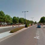 Trasladado al Hospital un motorista tras un accidente con un turismo en la Avenida de los Reyes Católicos