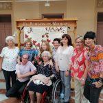 Las alumnas de El rincón de Monchi llenan de geometría y color el Antiguo Casino