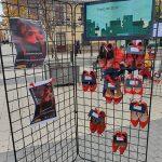 El Ayuntamiento de Calzada de Calatrava conmemoró el Día contra la Violencia de Género con un manifiesto y la performance «Zapato Rojo»