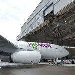 El avión de Wamos Air para repatriar a los 19 españoles en Wuhan, entre ellos el puertollanero Dani Carmona, aterriza en Torrejón a las 18.45 horas
