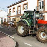 Los agricultores y ganaderos de Porzuna se ponen a disposición del Ayuntamiento para desinfectar las calles del municipio